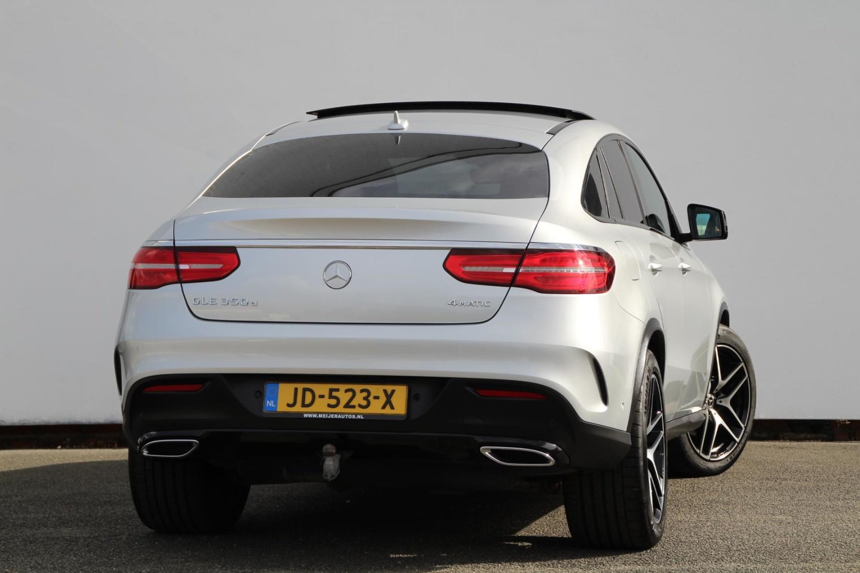 Mercedes-Benz-GLE-23