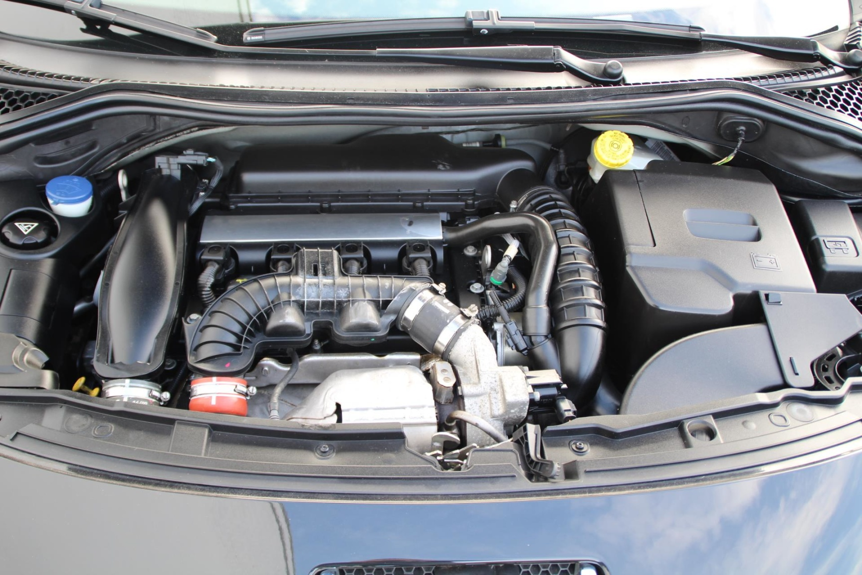 Peugeot-207-17