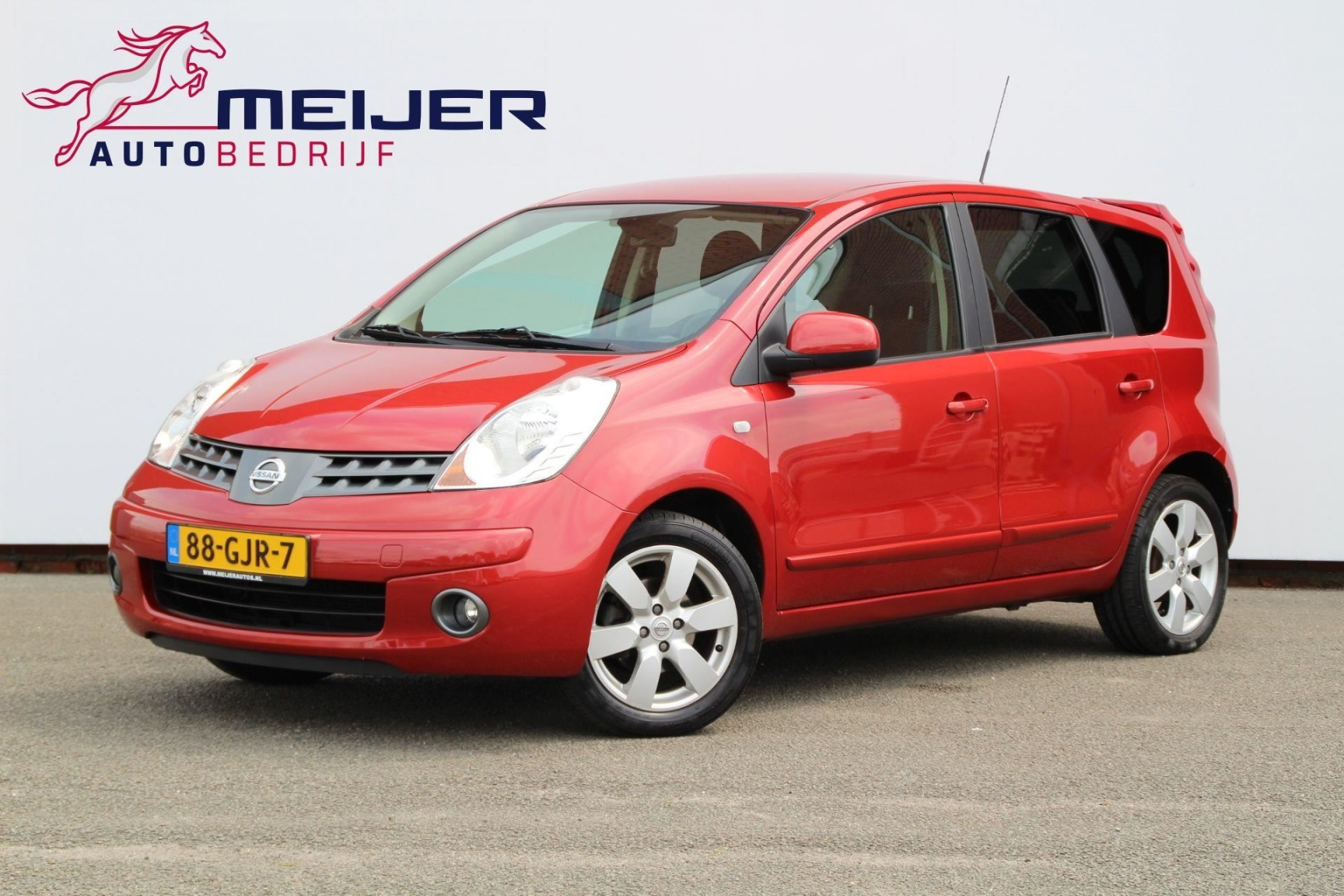 Nissan-Note-0
