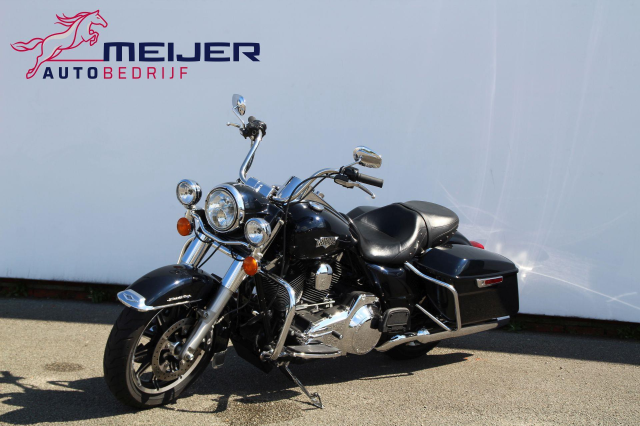 Harley-Davidson-FLHR Road King   Cruise   Bj 2016   19 000 KM   Nieuwstaat !!