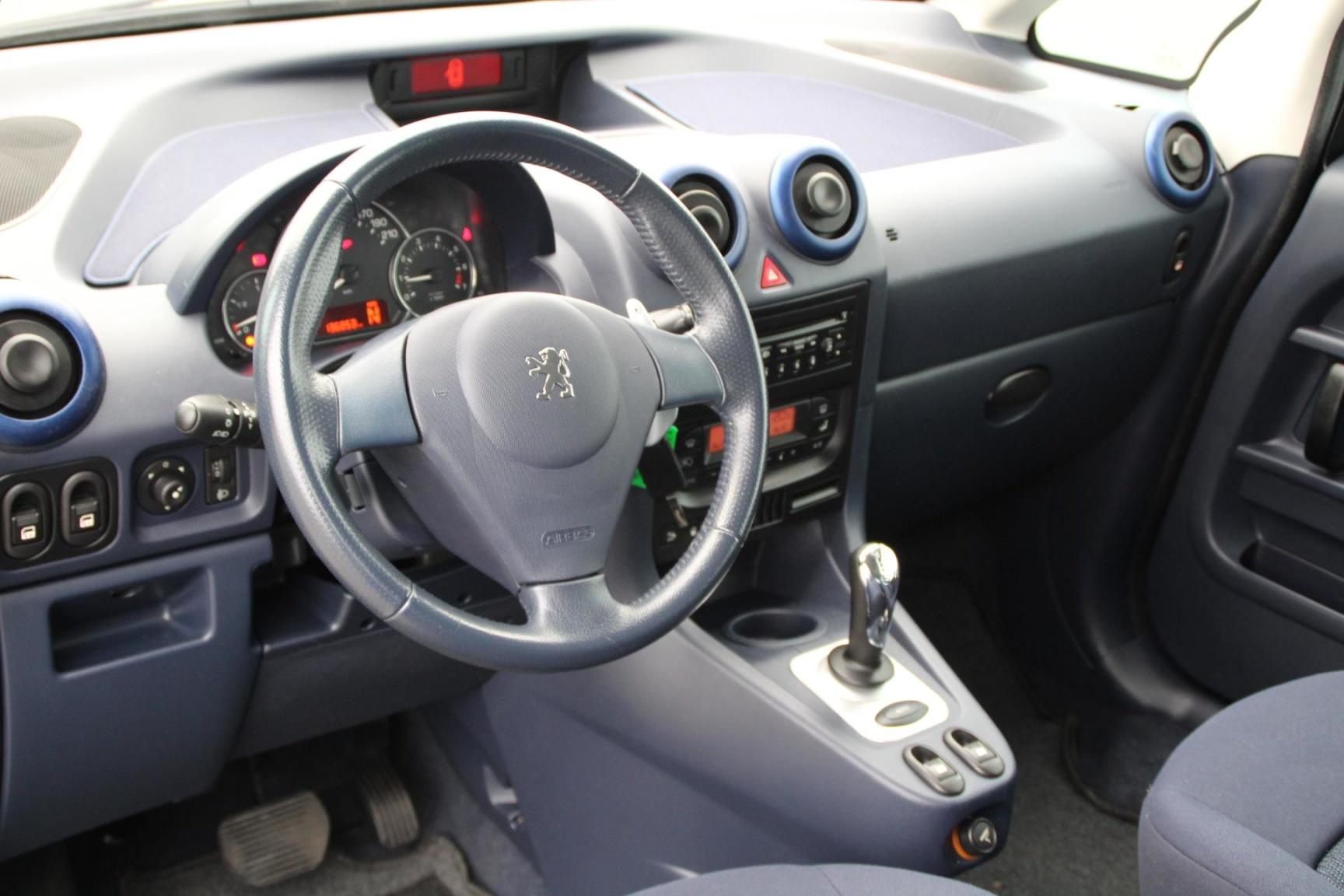 Peugeot-1007-5