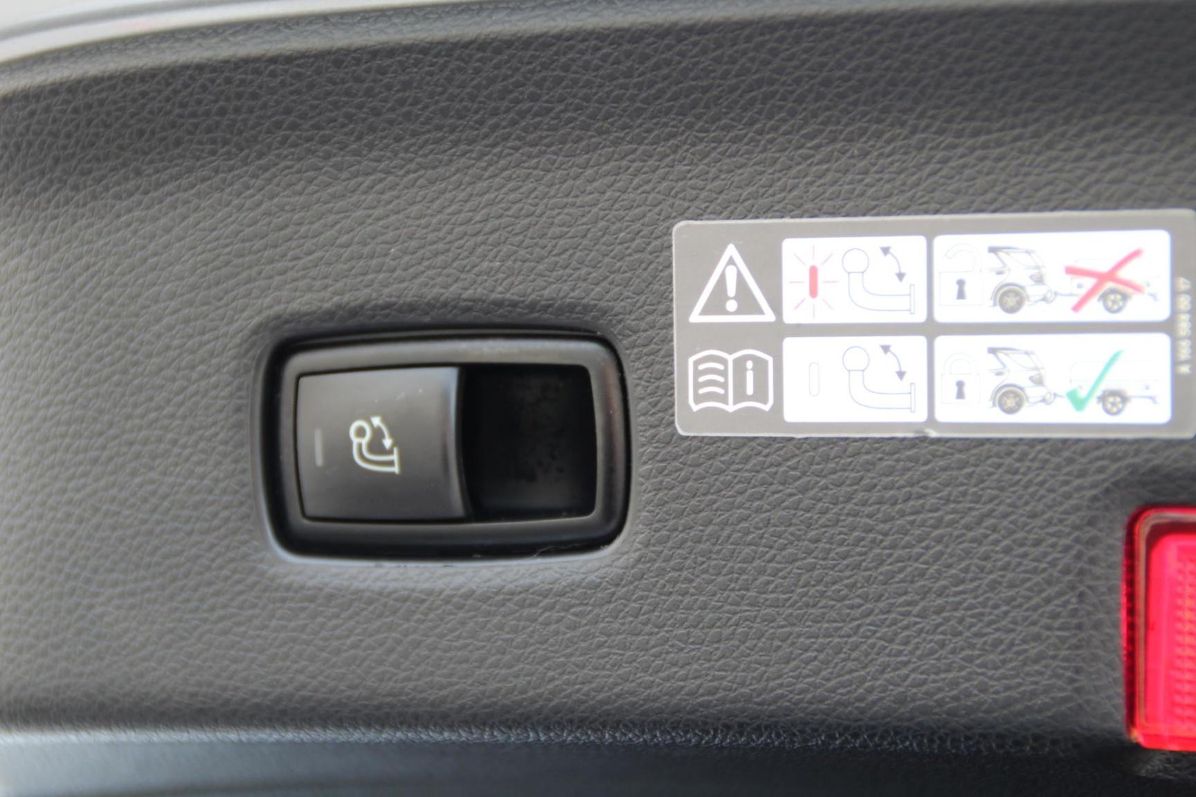 Mercedes-Benz-GLE-20