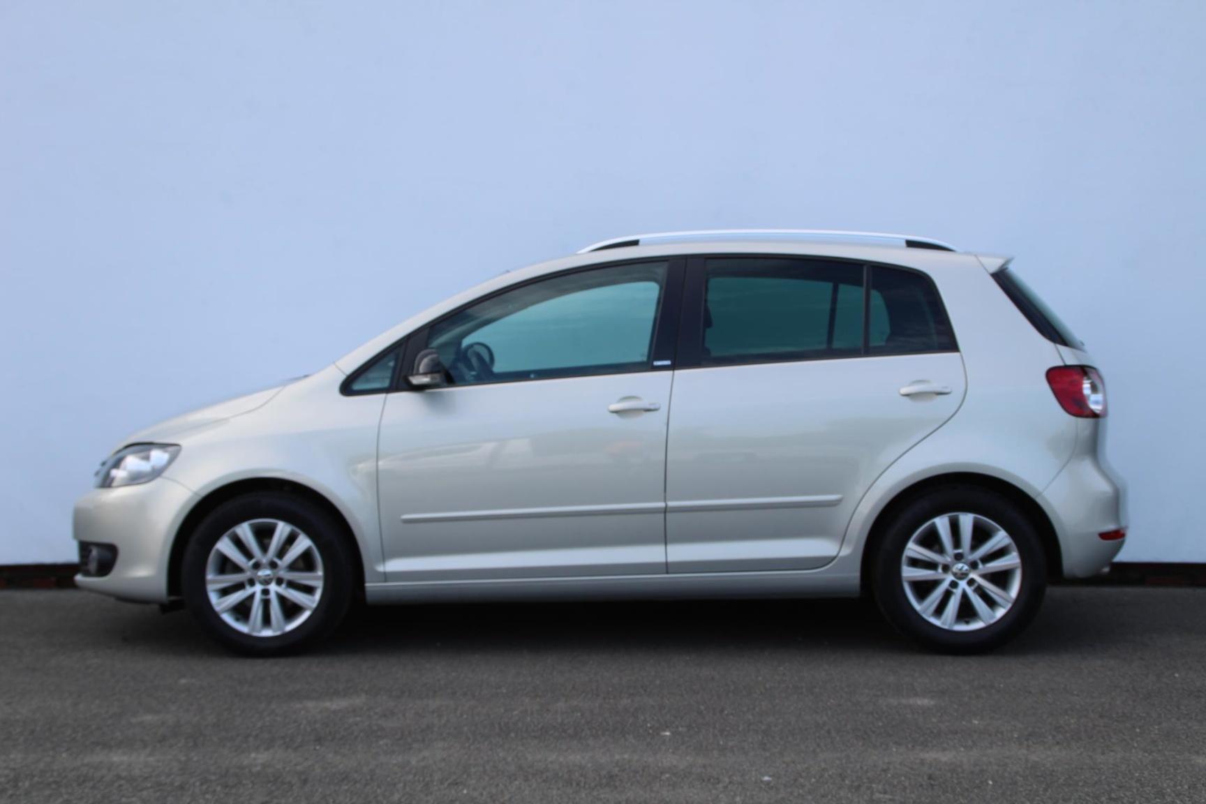 Volkswagen-Golf Plus-1